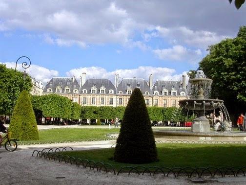 Place des Voges ©ruedevarenne.com