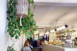 vegan gluten free restaurant interior Paris