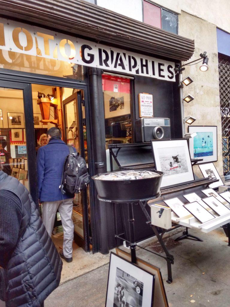 antique photograph shop, framed photographs outside shop, Haut Marais Paris